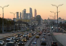 Ville de Moscou de rue de Krymsky Val photo libre de droits