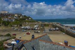 Ville de Newquay et port de pêche traditionnel photographie stock libre de droits