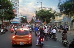 Ville de Nha Trang, Vietnam le soir Image libre de droits