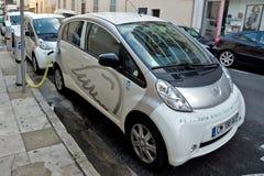 Ville de Nice - voitures électriques Images libres de droits