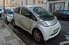 Ville de Nice - voitures électriques Image stock