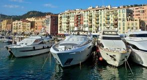 Ville de Nice - yachts dans le port Photos stock