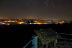 ville de nuit d'une surveillance photographie stock