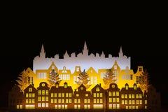 Ville de papier d'or d'hiver de nuit d'art avec des lumières de nouvelle année an neuf heureux de Noël joyeux Copiez l'espace pou image libre de droits