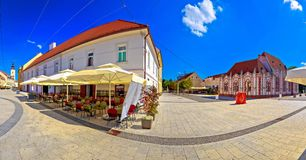 Ville de place de Cakovec et de vue panoramique de points de repère Image stock