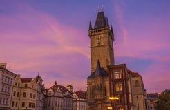 Ville de Prague tôt le matin photos stock