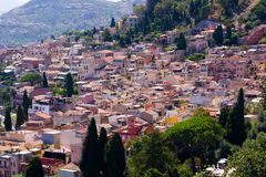 Ville de pueblo de Taormina en Italie Photographie stock libre de droits