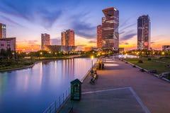 Ville de Séoul avec beau après coucher du soleil Image stock