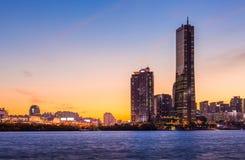 Ville de Séoul et gratte-ciel, yeouido après coucher du soleil, Corée du Sud photos libres de droits
