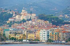 Ville de San Remo, Italie, vue de la mer photographie stock libre de droits