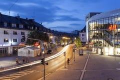 Ville de Siegen la nuit, Allemagne Image stock
