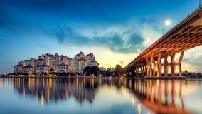 Ville de Singapour à l'aube image stock