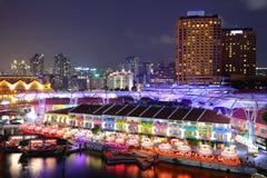Ville de Singapour la nuit Photo stock