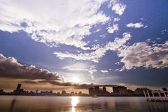 Ville de Taïpeh de coucher du soleil photos libres de droits