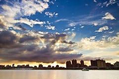 Ville de Taïpeh de coucher du soleil photo stock