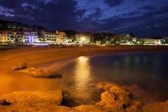 Ville de Tossa de Mar par nuit Photos libres de droits