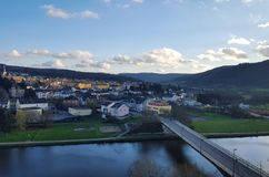 Ville de ville de bâtiment de rivière de pont de vue de l'Allemagne Images libres de droits