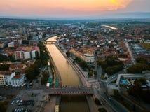 Ville de vue aérienne de point de repère de NIS en Serbie photographie stock libre de droits