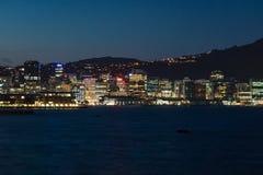 Ville de Wellington la nuit image stock