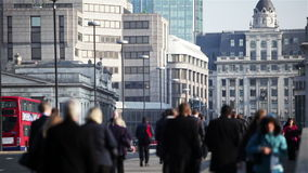 Ville des banlieusards de Londres banque de vidéos