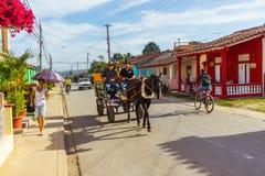 Ville du Trinidad au Cuba Chariot de cheval photo libre de droits