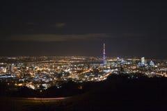 Ville et passerelle d'Auckland Photo stock