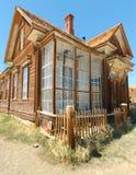 Ville fantôme de Bodie, construisant dans l'affaiblissement arrêté Images libres de droits