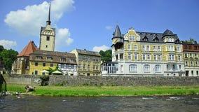 Ville Gera, Allemagne. église et pont dans le secteur Untermhaus banque de vidéos