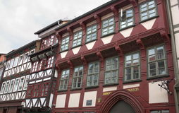 Ville-Goettingen façade-JE-historique à colombage Image libre de droits