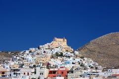 Ville grecque d'île Photographie stock libre de droits