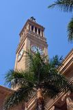 Ville hôtel de Brisbane et détail de tour, Australie de Queenland Images stock
