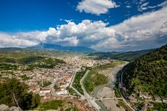 Ville historique, Berat, Albanie, paysage élevé de vue images libres de droits