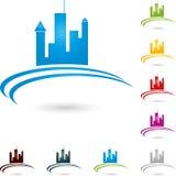 Ville, immobiliers et vrai logo d'agent immobilier photo libre de droits