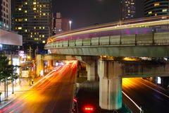 Ville légère de nuit photos stock