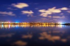 Ville la nuit Photo stock