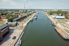 Ville la rivière Green de Liepaja en Lettonie, heure d'été image libre de droits