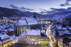 Ville médiévale historique de Brasov, la Transylvanie, Roumanie, pendant l'hiver 10 décembre 2015 Image stock