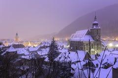 Ville médiévale historique de Brasov, la Transylvanie, Roumanie, pendant l'hiver 6 décembre 2015 Photographie stock libre de droits