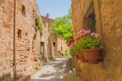 Ville médiévale italienne de Civita di Bagnoregio, Italie Images libres de droits