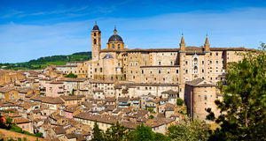 Ville médiévale Urbino en Italie Photo stock