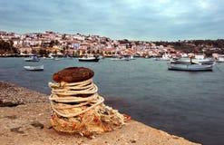 ville méridionale de bord de la mer de koroni de la Grèce photo stock