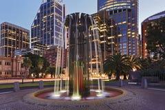 Ville moderne de fontaine de Sydney CBD Images libres de droits