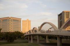 Ville moderne Fort Worth sur le coucher du soleil le Texas Photos stock