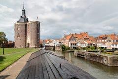 Ville néerlandaise confortable d'Enkhuizen image stock