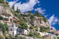 Ville nella fine di Positano su, citt? alla costa di Amalfi, del mar Tirreno, al concetto dell'Italia, dell'hotel e dell'ostello, fotografia stock