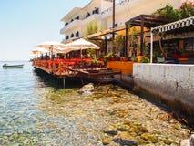 Ville paisible de loutro, Grèce Photographie stock libre de droits