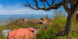 ville sur la montagne Photos libres de droits
