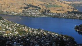 Ville timelapse aérien 4K de Queenstown, Nouvelle-Zélande banque de vidéos