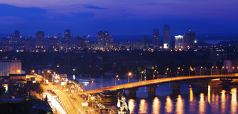 Ville très belle de nuit Photographie stock