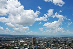 Ville urbaine d'une vue aérienne Images stock